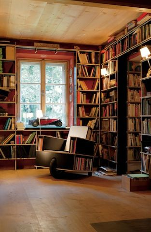 """An impressive selection of """"beautiful library chairs for literary abodes"""" were on display at Flavorwire."""