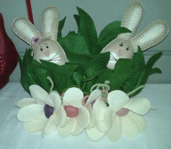 Coniglietti e fiori