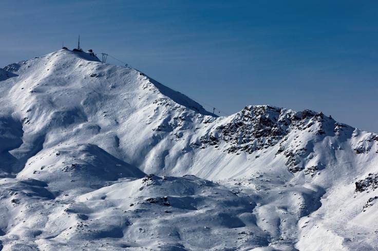 Altapura, Val Thorens // Le spectacle des montagne vu de votre chambre - The mountain landscape from your room (photo by T. Shu) http://en.altapura.fr/1850-rooms-altapura-val-thorens-hotel.htm https://www.facebook.com/TristanShuPhotography?fref=ts