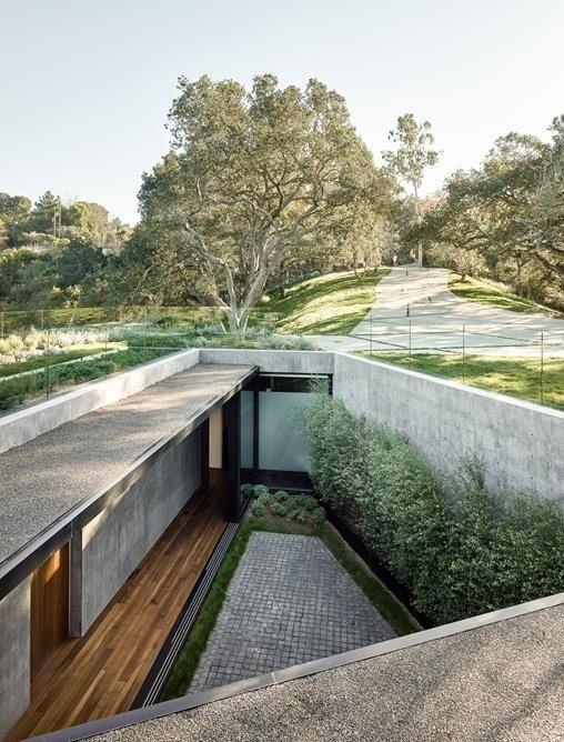 Vivere Upside Down a Beverly Hills: Oak Pass House