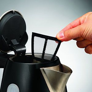 The black Accents Jug Kettle from Morphy Richards has a removable limescale filter, for quicker and easier cleaning. Make your life less complicated with Morphy Richards.