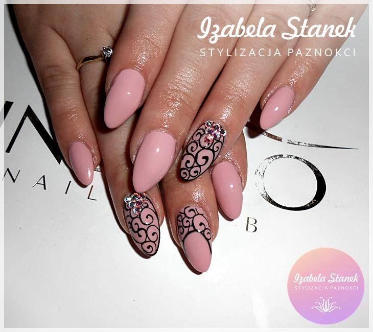 by Izabela Stanek, Find more Inspiration at www.indigo-nails.com #Nails #Polish #black #nude