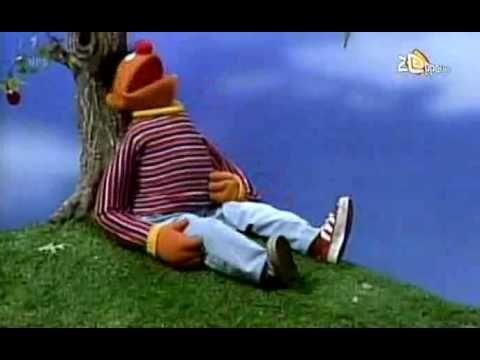 Sesamstraat - Ernie - Mijn appelboom en ik - YouTube