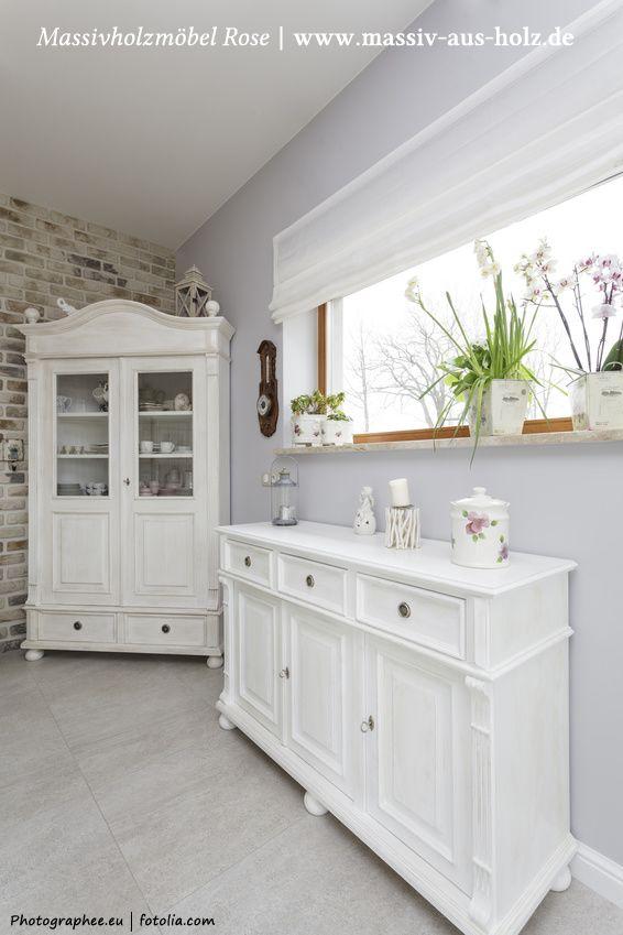 #Weiße #Landhausmöbel in einem #Esszimmer - aus massiv #Holz #Kiefer, www.massiv-aus-holz.de
