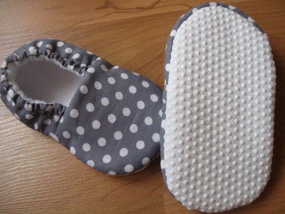 baby shoe pattern...Abby and Aaron baby / toddler shoe pattern .... PDF tutorial / pattern....Up and Away Patterns...
