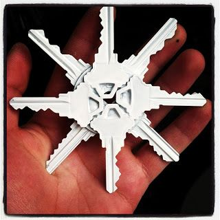 Pinterest Challenge #11: Snow Flakes Made Out of Old Keys | Josue / Josue