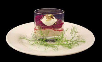 Recept voor Mousse van gerookte makreel met rode biet, yoghurt