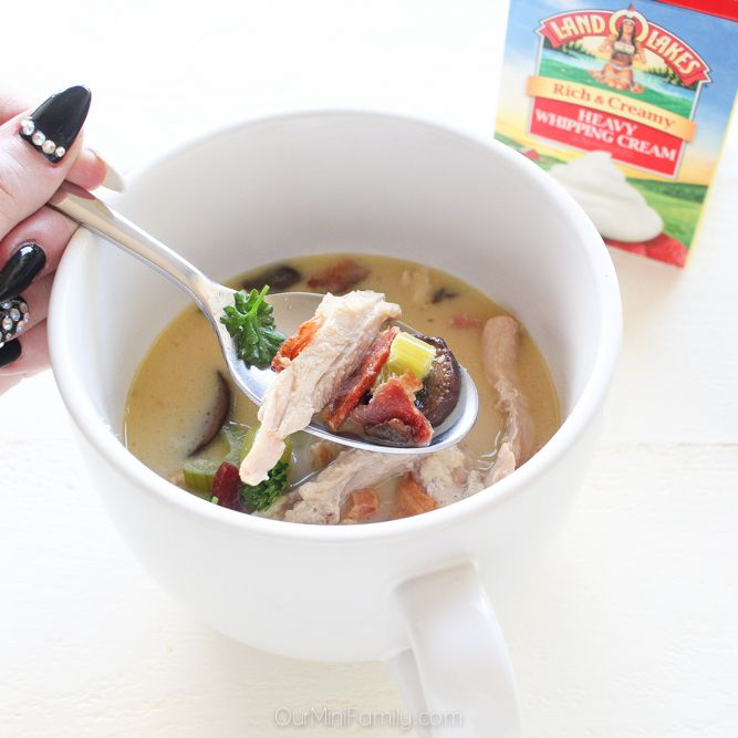 2 Keto-Friendly Recipes to Try this Weekend (Slow Cooker Chicken Bacon Soup & Berries and Cream Dessert)
