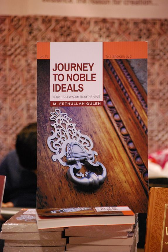 """#Gulen 's latest #book """"Journey to Noble Ideals"""" met #Canadian readers at #risconvention"""