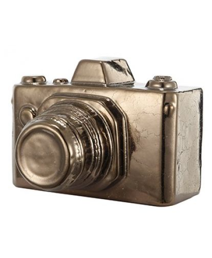 NEW in - This gold ceramic camera is part of a stunning set as a gift or for the nostalgic. Use our gold and silver ceramic set as ornaments in your home or simply as a decorative paperweight. They are a simple, elegant and effortless piece.