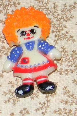 Vintage Bobbs Merrill Hallmark Raggedy Ann Plastic Pin