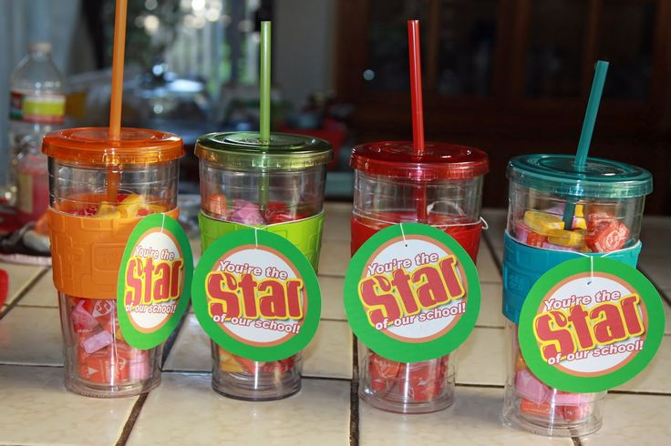 Using Starbursts and reusable cups - sweet! Planning on making these for my parent volunteers ... I had seven this year that came regularly to help up. Super easy and super cute!