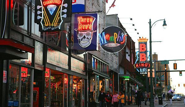 I think that Memphis is a beautiful city! I have only been there once, but I loved walking down the streets like this. I would really like to find a home there, but it would probably have to be in the suburbs and not close to the center of the city.