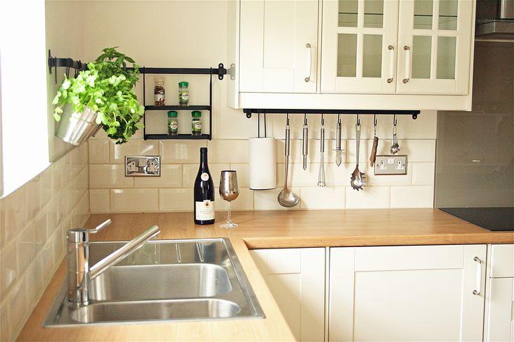 Hanging herbs/kitchen tools