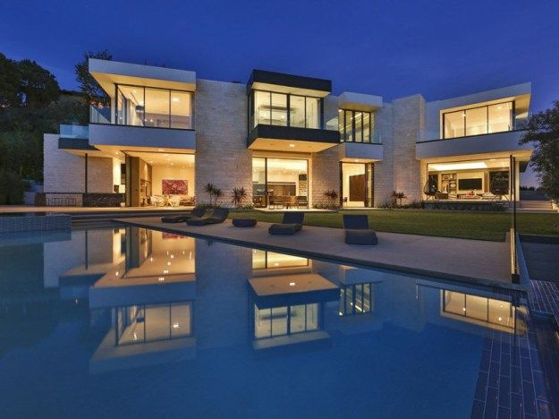 High Quality Contemporary Architectural House On Sunset Strip