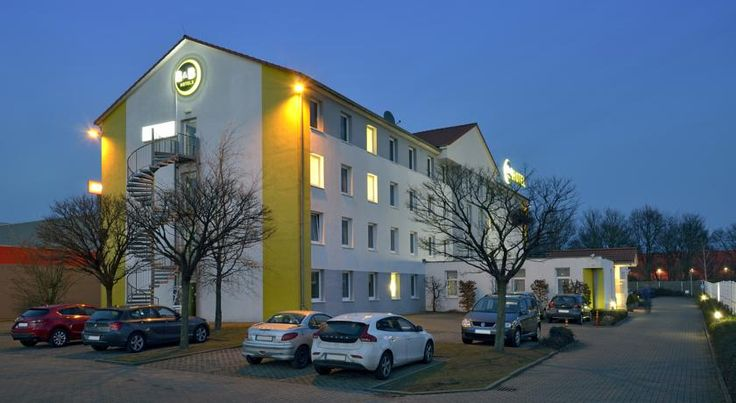 B&B Hotel Köln-Airport Köln This 2-star hotel offers modern and affordable accommodation in the Porz district of Cologne, just 8 km away from the historic city centre and Cologne-Bonn Airport.