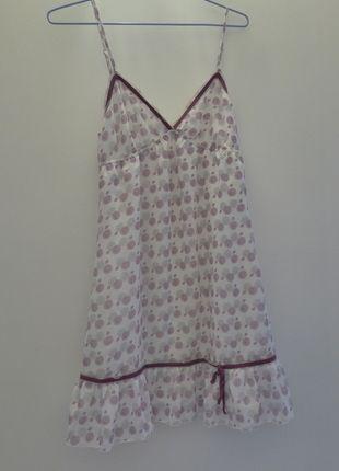 À vendre sur #vintedfrance ! http://www.vinted.fr/mode-femmes/tenues-de-nuit/22661994-nuisette-a-motifs-etam-blanche-et-violette