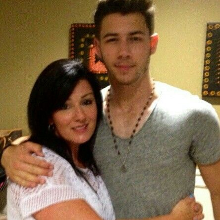 Nick and his mom Denise | Jonas family | Pinterest | Mom