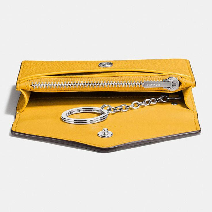 COACH ENVELOPE card case in polished pebble leather N.º DE ESTILO 55749 75€
