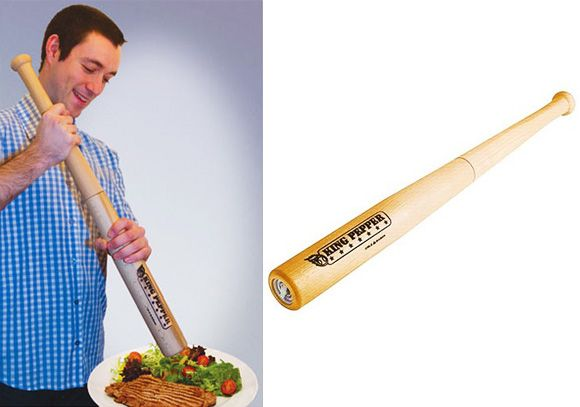 Baseball bat pepper grinder: Peppers Mills, Peppers Grinder, Tacos, Pepper Mills, Baseball Bats, Giant Peppers, Bats Peppers, Angry Kitchens, Duas Coisas