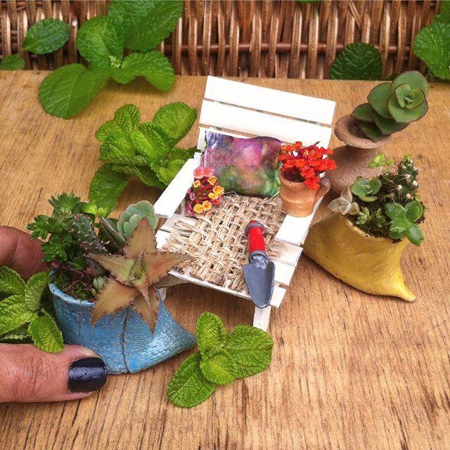 Acaso hay una sensación tan gratificante como descansar en el #patio o #jardin después de una jornada de #jardineria??? 🌺🌿🍂🌻 Para mi es lo máximo! Este tercer set de jardinería tiene dos hermosos #saquitos de #gres de @bg.arte_ceramico . Puedes darle un toque especial con florecitas silvestres .Disponible 👍 . . . #mijardin #jardincitoconsuculentas #minijardin #mini #succulents #cacti #suculentas #instasuccu #cactalicious #cactusmagazine #teamsaperes #minimal #minimalism