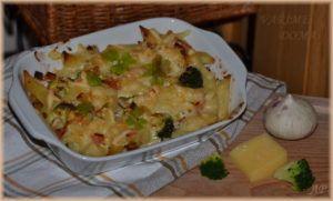 Zapečené těstoviny se šunkou a brokolicí