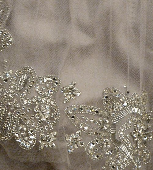 plata: Couture Details, Wedding Dressses, Beads Motif, Fashion Ideas, Zsa Zsa Bellagio, Bling Texture, Bling Wedding, Beads Details, Heavy Metals