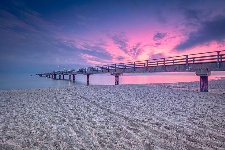 Spuren im Sand (Prerow / Darß), Dämmerung, Fischland, Küste, Ostsee, Prerow, Seebrücke, Sonnenaufgang, Strand, Wolken