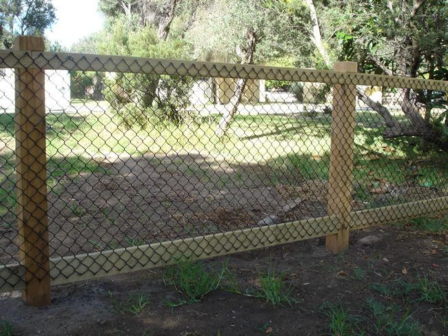 Cheap Fence Ideas | Feature Fencing - Brush, Custom, Gates, Merbau, Paling, Picket, Pool ...This would work for a chicken run, if I keep their wings clipped, or tweak it a bit and add a top. or a little angled ledge so they can't fly over.                                                                                                                                                      More