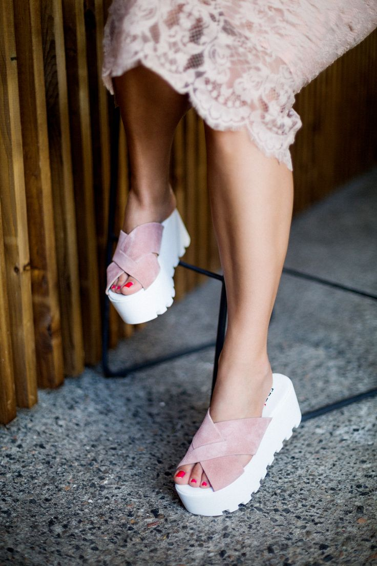 Bibi Pink Suede Flatforms S/S 2015 #Fred #keepfred #shoes #collection #suede #fashion #style #new #women #trends #flatforms #pink