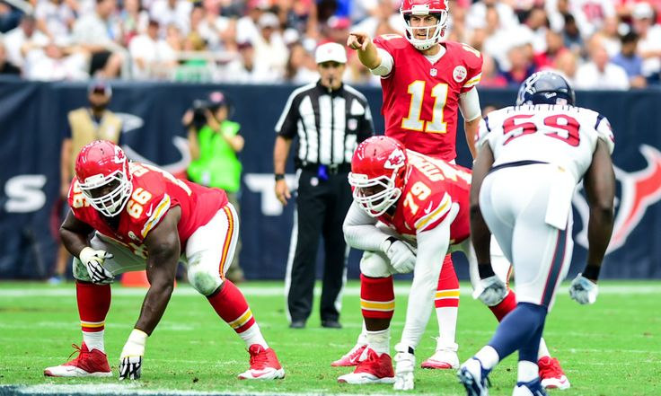 Matt Williamson: Chiefs and Texans AFC Wild Card Breakdown = Kansas City has won 10 games in a row. While those wins were not against anything resembling a murderer's row of opponents, it is extremely impressive nonetheless. Meanwhile, Houston, after starting four different quarterbacks this season, hosts.....