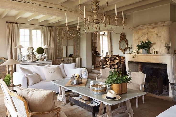 Photo via The Romantic French Chateau.