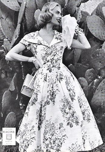 Precisely my kind of wonderfully pretty 1950s floral print dress. #vintage #1950s #fashion #dress