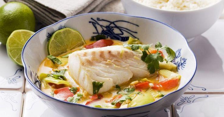 Kabeljau mit Kokosmilch und Gemüse ist ein Rezept mit frischen Zutaten aus der Kategorie Meerwasserfisch. Probieren Sie dieses und weitere Rezepte von EAT SMARTER!