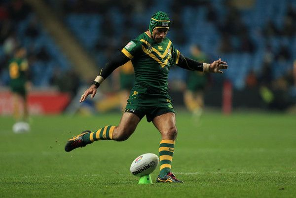 Johnathan Thurston Photos Photos - Johnathan Thurston of Australia converts a try during the Four Nations match between the New Zealand and Australia at The Ricoh Arena on November 5, 2016 in Coventry, United Kingdom. - New Zealand v Australia - Four Nations