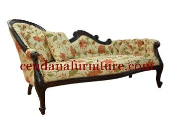 Kursi Sofa Santai Motif Bunga Bunga terbuat dari kayu mahoni yang kami sempurnakan dengan finishing duco putih berbalut kain jok motof bunga yang cantik.
