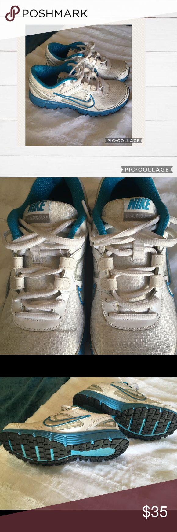 Nike Dual Fusion Tennis Shoes (Women's 7) Gently worn Women's Size 7 Nikes (white & blue) Nike Shoes Sneakers