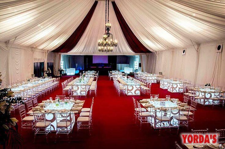 Mesas de boda carpa decorada mesa presidencial mesas for Silla presidencial