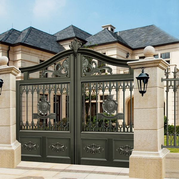9767419ed69e9d2e4fe1624ee0906aeb--carving-gates House With Front Fence Design on