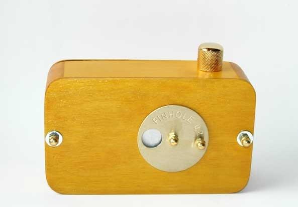 Vermeer wooden pinhole camera 6x6cm frame size von vermeercameras.