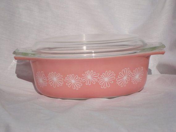 Pink Pyrex Casserole Dish// Pyrex Casserole by TheVintageMirror, $24.00 I love vintage Pyrex!