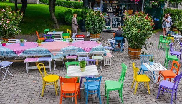Wiener Festwochen Garten - Moderner Heurigenflair • NEWS.AT