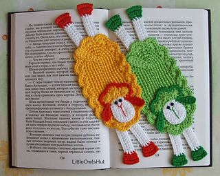 054 Sheep Bookmark or decor Amigurumi by LittleOwlsHut $ 2,45 ✿⊱╮Teresa Restegui http://www.pinterest.com/teretegui/✿⊱╮