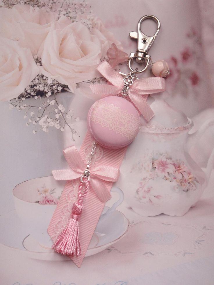 bijou de sac macaron shabby rose en fimo : Autres bijoux par maemele