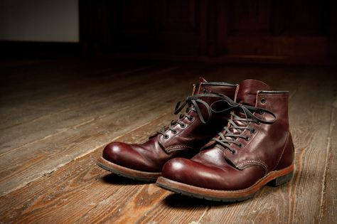 Originally known as the Gentleman's Traveler, the 9011 from the Red Wing Heritage Beckman collection was named after the founder of Red Wing Shoe Company, Charles Beckman. Still known for Red Wing...