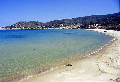 La spiaggia della Biodola all'isola d'elba