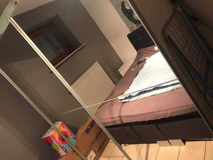 #Couch  Wohnwand  #Kleiderschrank €50   #Schwalbach Griesborn  ... #Couch, Wohnwand, #Kleiderschrank €50 - #Schwalbach Griesborn  #Verkaufe #wegen #Umzug #einige Sachen:  #Couch, NP 299€, #eine Spanplatte #unter #der #Couch #ist defekt, #kann #man leicht reparieren. 50€  #Kleiderschrank #vom #Ikea, #ca. 2 m breit #komplett verspiegelt, wurde #schon 2x #ab #und #wieder #aufgebaut, #aber #ist #noch #in gutem #Zustand. 70€  Wohnwand Besta (Ikea) 30€ (Ohne http://saar