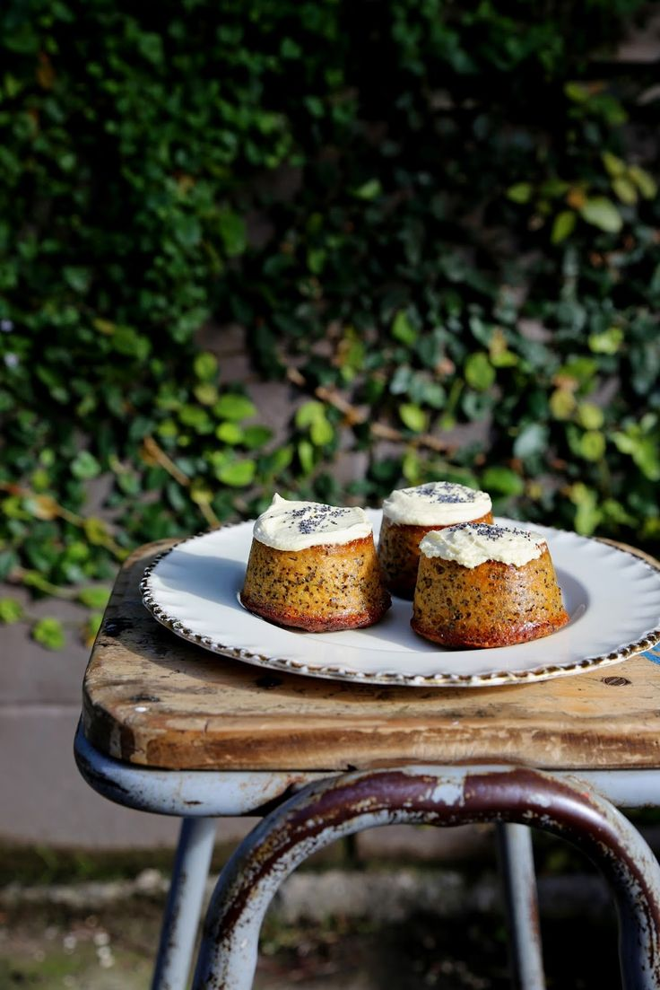 petite kitchen: UPSIDE DOWN MANDARIN CAKES WITH POPPY SEEDS AND COCONUT YOGHURT