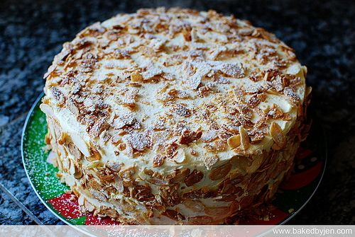 Homemade Burnt Almond Cake Recipe | Homemade, Sodas and ... Almondy Bakery