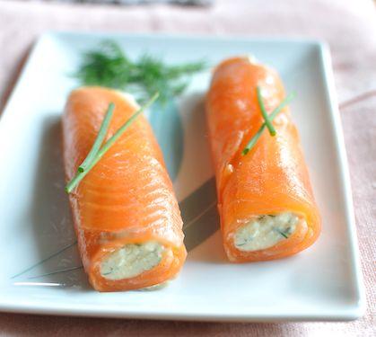 Cannelonis de saumon fumé à la faisselle - Envie de bien manger. Plus de recettes à base de saumon sur www.enviedebienmanger.fr/idees-recettes/recettes-saumon